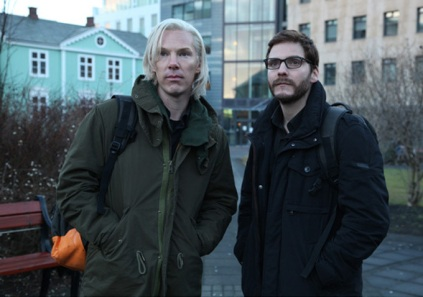 Cumberbatch i Brühl a THE FIFTH ESTATE