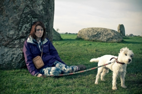 sightseers-2012-003-tina-with-dog