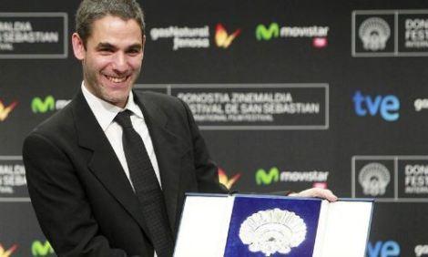 Fernando Eimbcke amb la Concha de Plata al millor director per CLUB SANDWICH.
