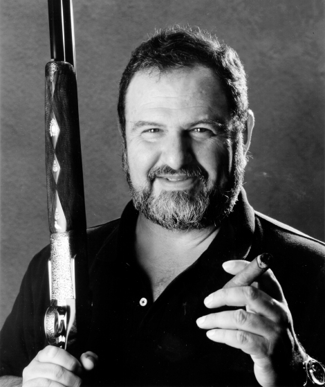 L'aspecte, la personalitat i les anècdotes de John Milius van inspirar els Coen a l'hora de crear el Walter (John Goodman) d'EL GRAN LEBOWSKI.