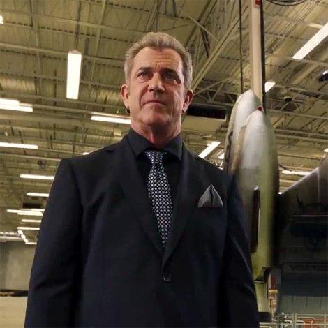 Mel Gibson, un dolent molt d'AUSTIN POWERS, és dels qui millor su passa a la pel·lícula.