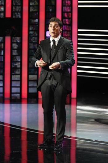 El presentador, Manel Fuentes, que tot i els esforços no va fer que la gala fos especialment memorable.